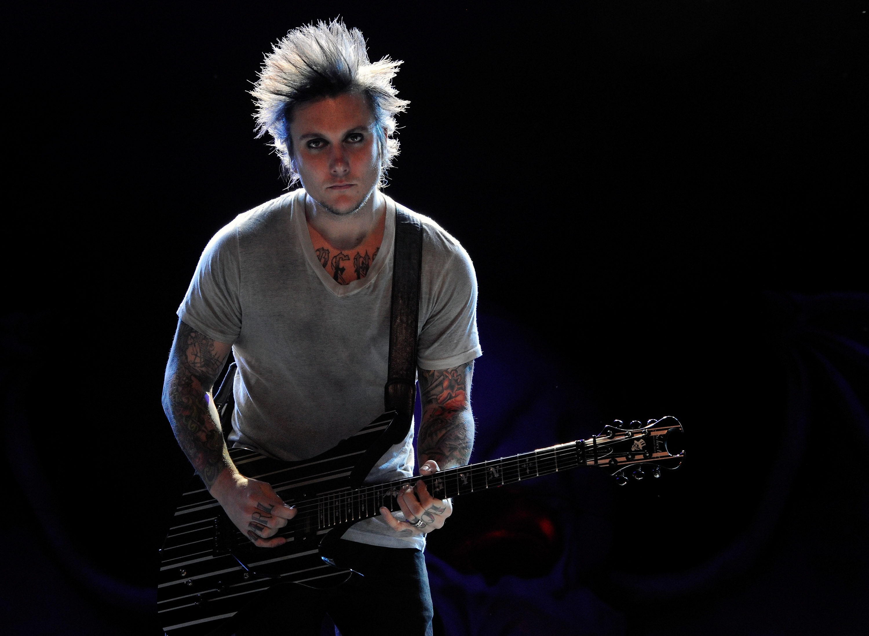 LAS VEGAS, NV - OCTOBER 15: Avenged Sevenfold guitarist Synyster Gates performs during the 48 Hours Festival October 15, 2011 in Las Vegas, Nevada.